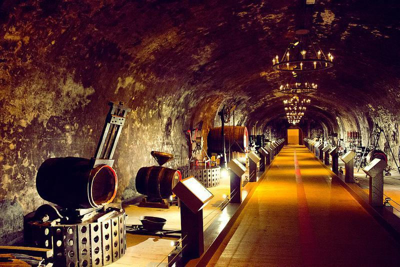 caves de Champagne Mumm