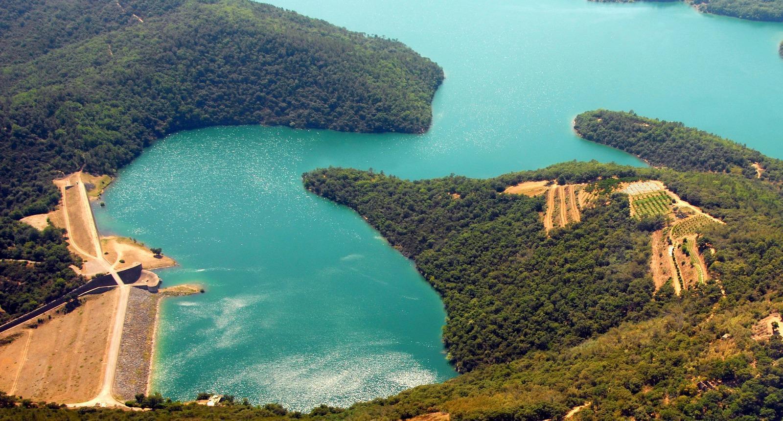 Barrage et lac de Saint-Cassien