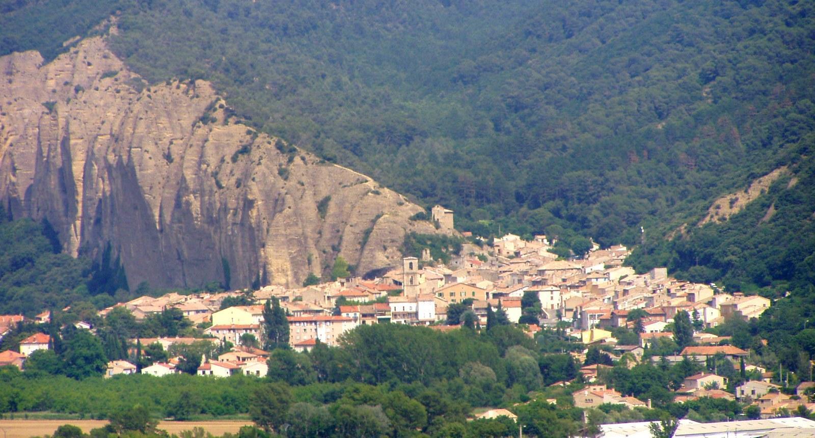 Le villages des Mées