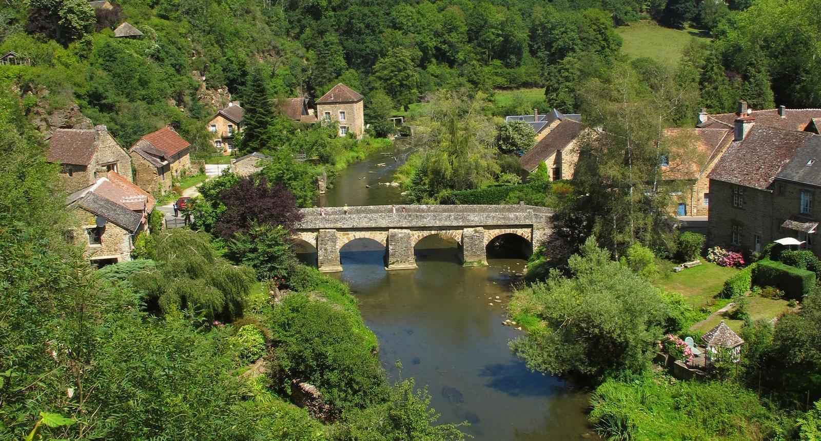 Saint-Céneri-le-Gérei, Alpes mancelles