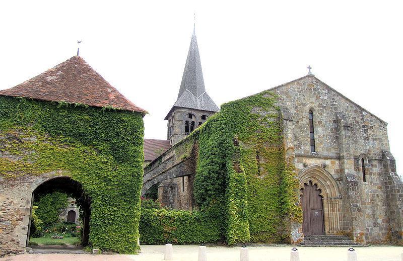 Église romane Saint-Patrocle