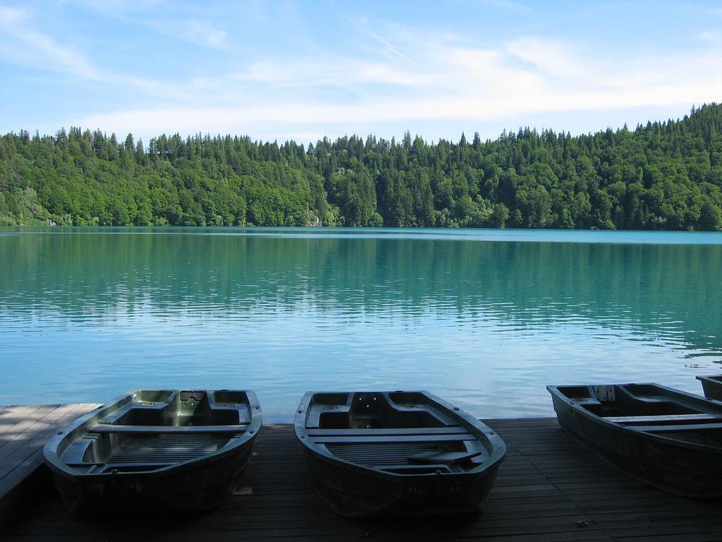 Lac Pavin_Besse et Saint Anastaise (1)