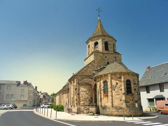 Eglise de Bourg-Lastic