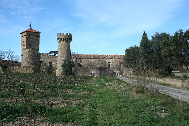 Roujan, Château-abbaye de Cassan
