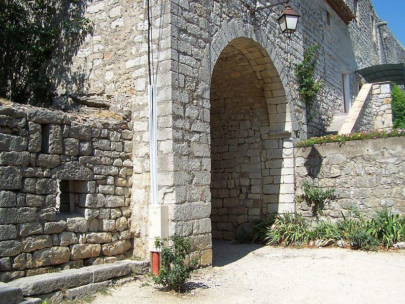 La Commanderie de Jalès - Porte fortifiée