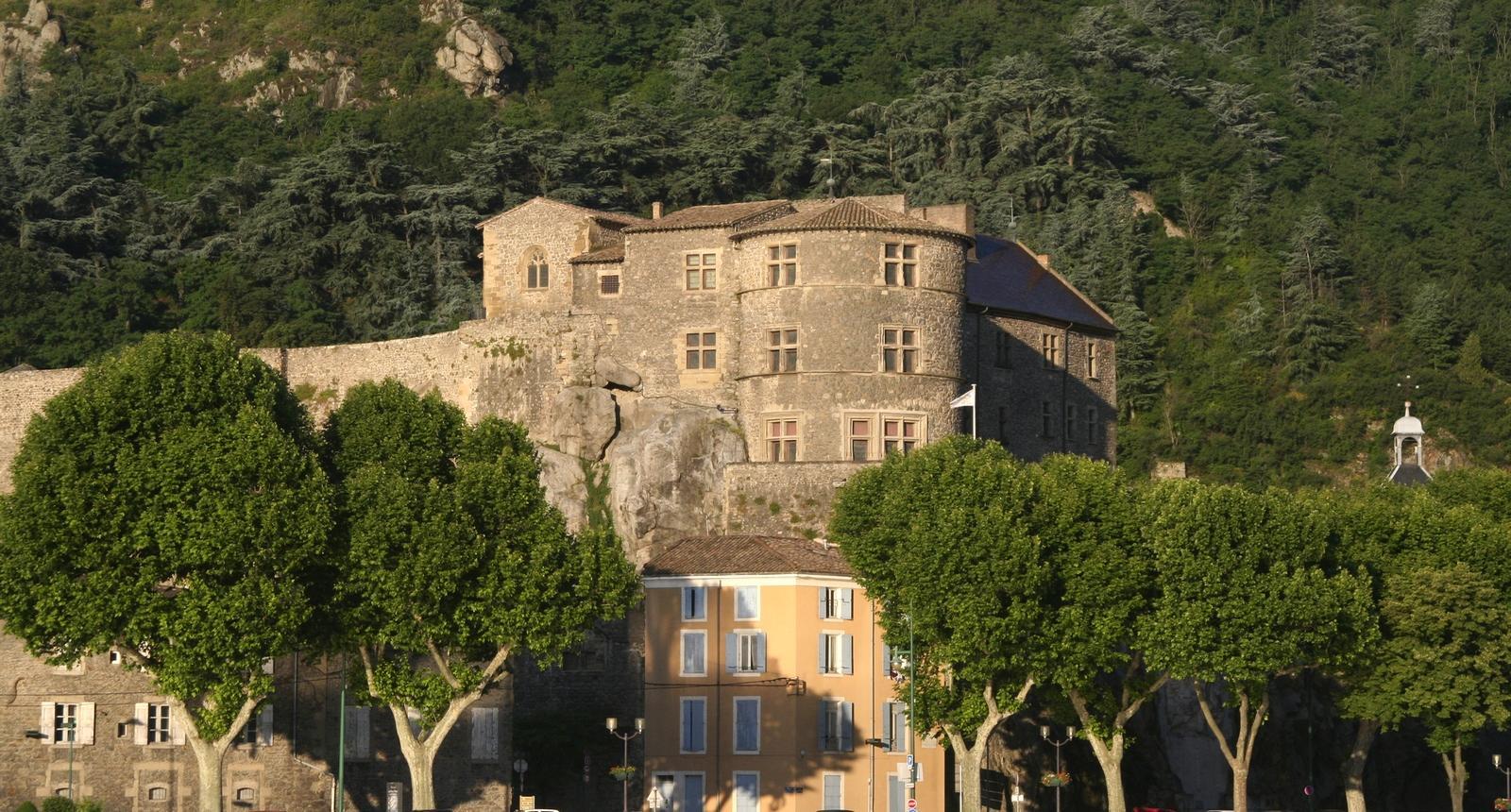 Photo le ch teau de tournon sur rh ne 154961 diaporamas images photos - Le chateau des oliviers de salette ...