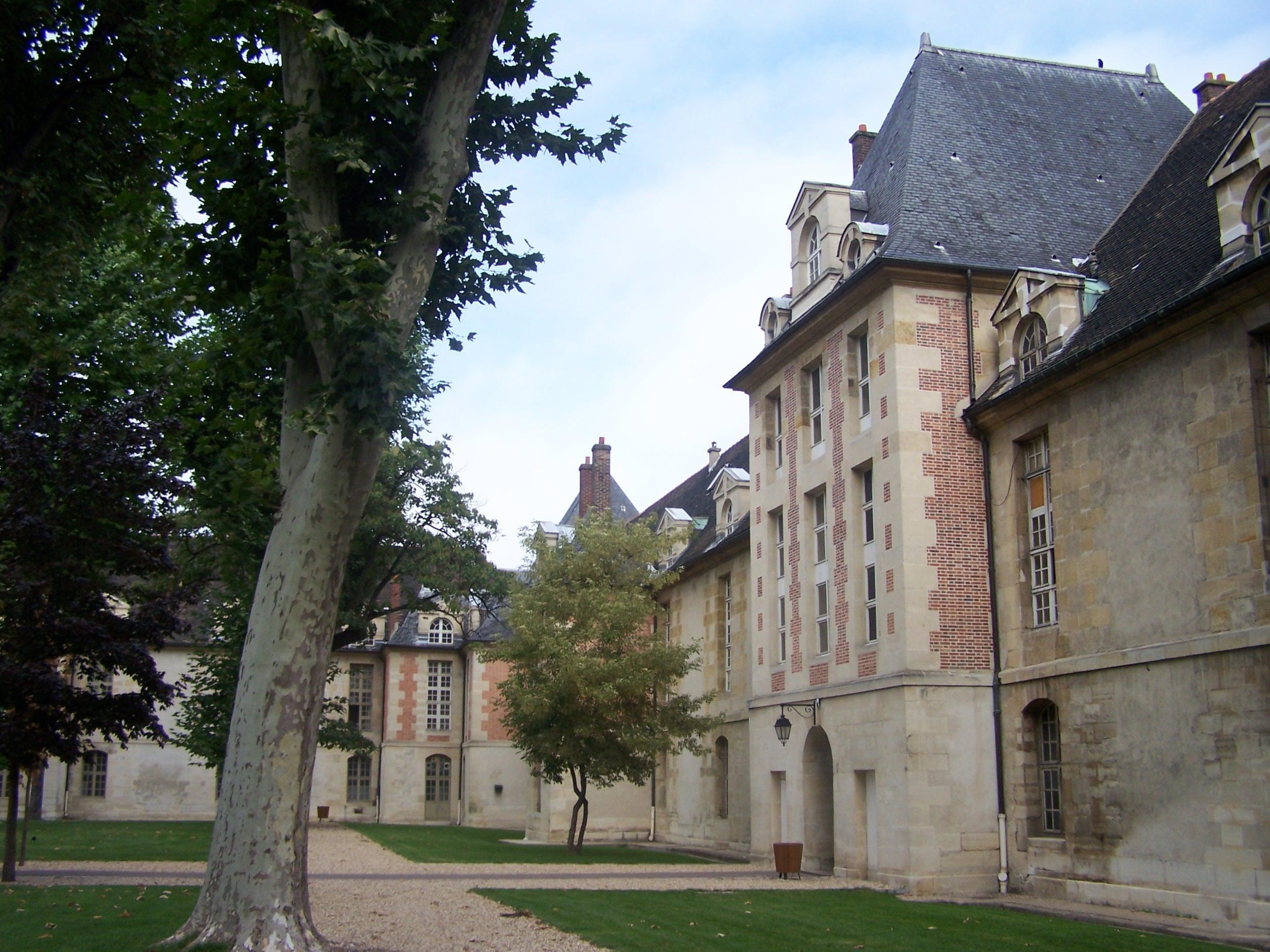 Hôpital Saint-Louis - Musée des Moulages dermatologiques et des Cires anatomique