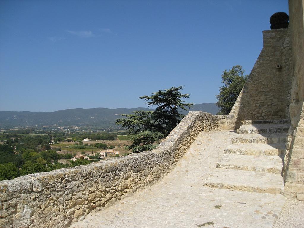 Chateau - Village provencale d'Ansouis, Luberon, Vaucluse