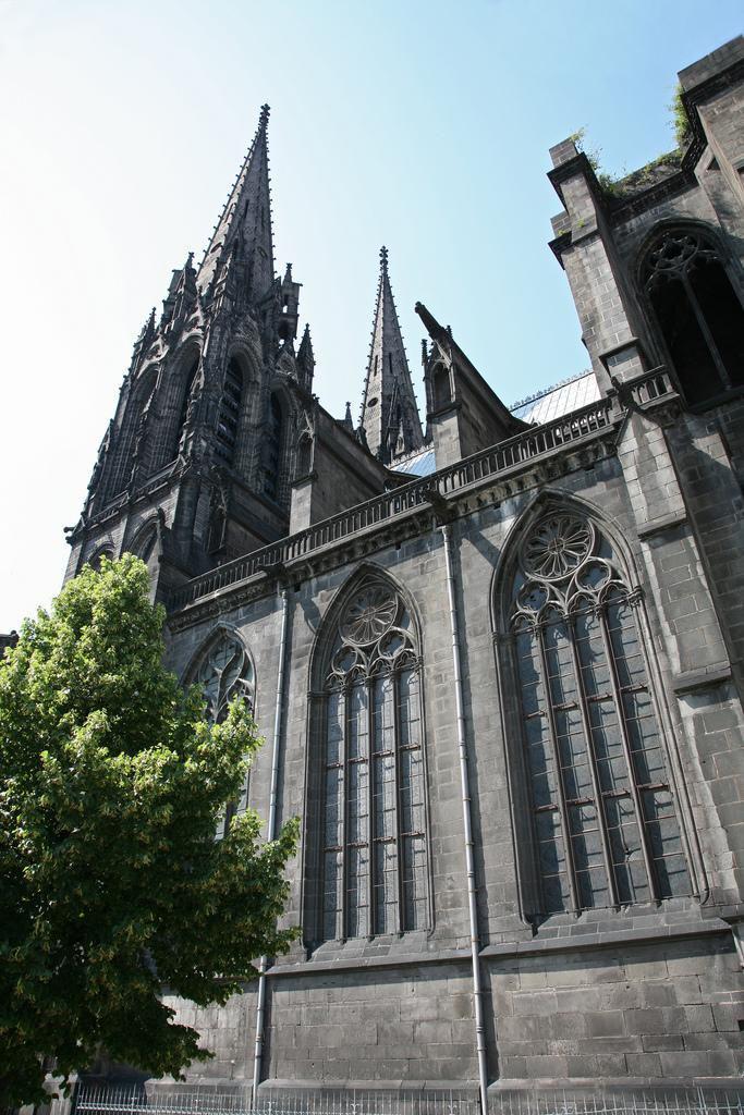 Cathédrale Notre-Dame-de-l'Assomption_Clermont-Ferrand