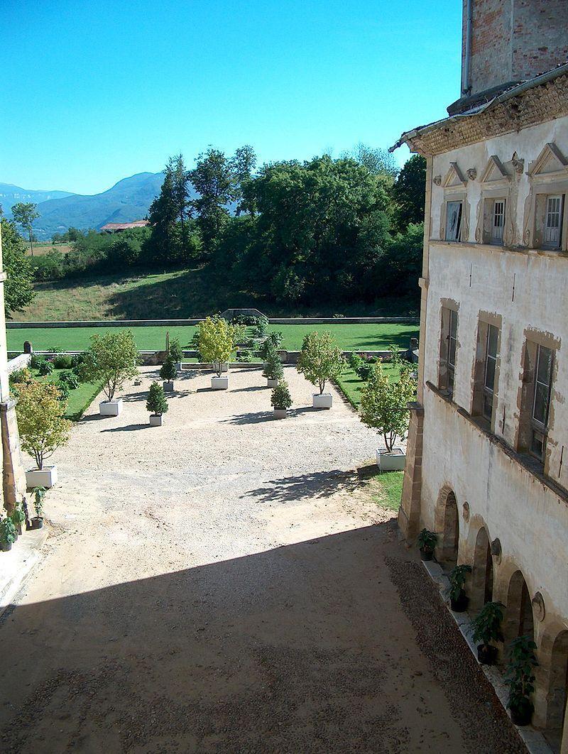 Château de l'Arthaudière les jardins vues de l'aile nord