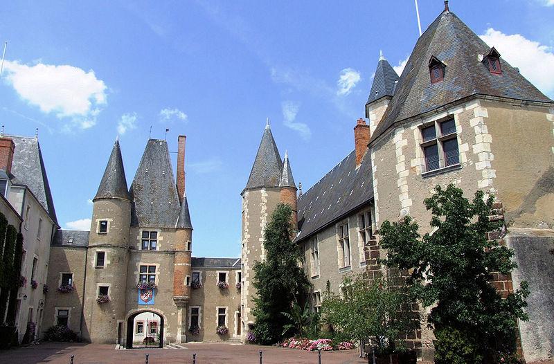 AUBIGNY-SUR-NÈRE - CHÂTEAU DES STUARTS