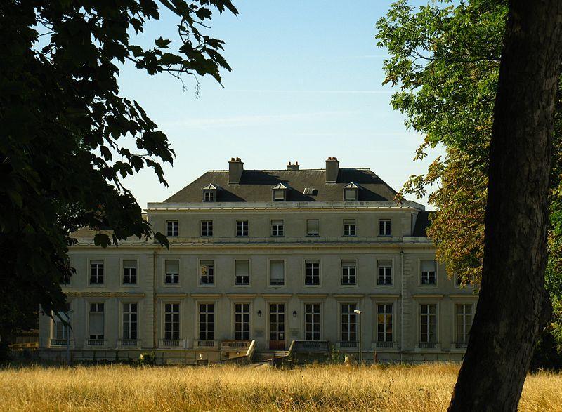 Château de Brévannes, aujourd'hui hôpital Émile Roux, à Limeil-Brévannes (94)