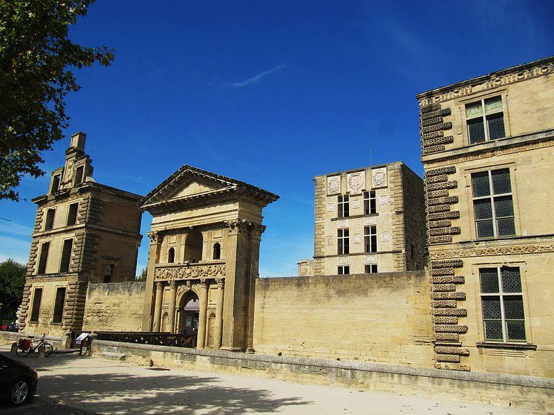 Château de la Tour d'Aigues