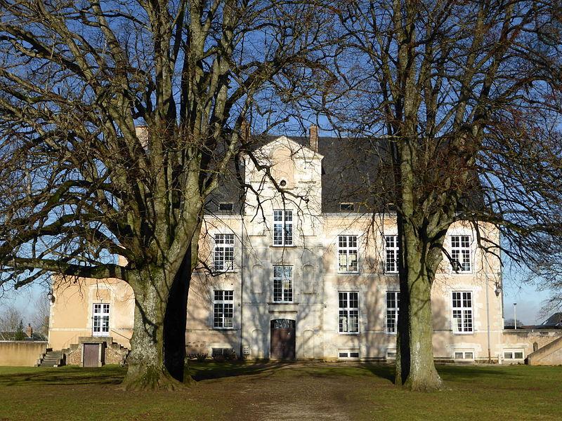 Château de La Loupe