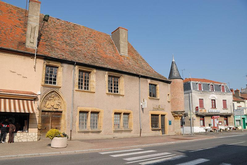 Hôtel des Impôts - La Pacaudière