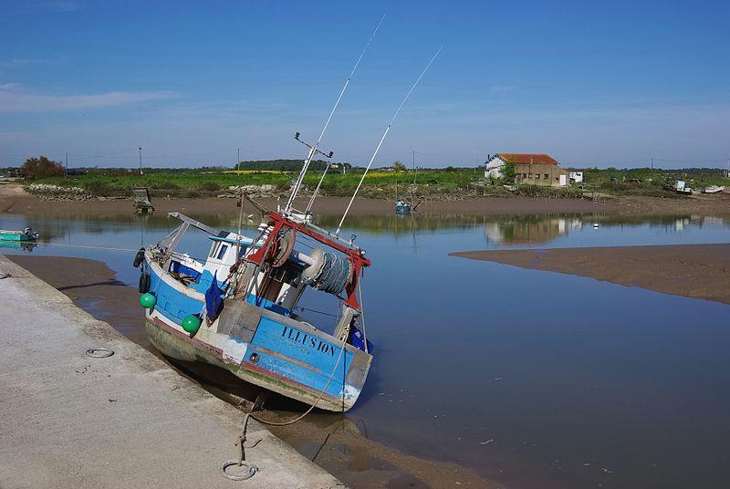 L'Éguille-sur-Seure - Bâteau de pêche