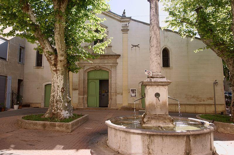 La place de l'Église à Saint-Zacharie