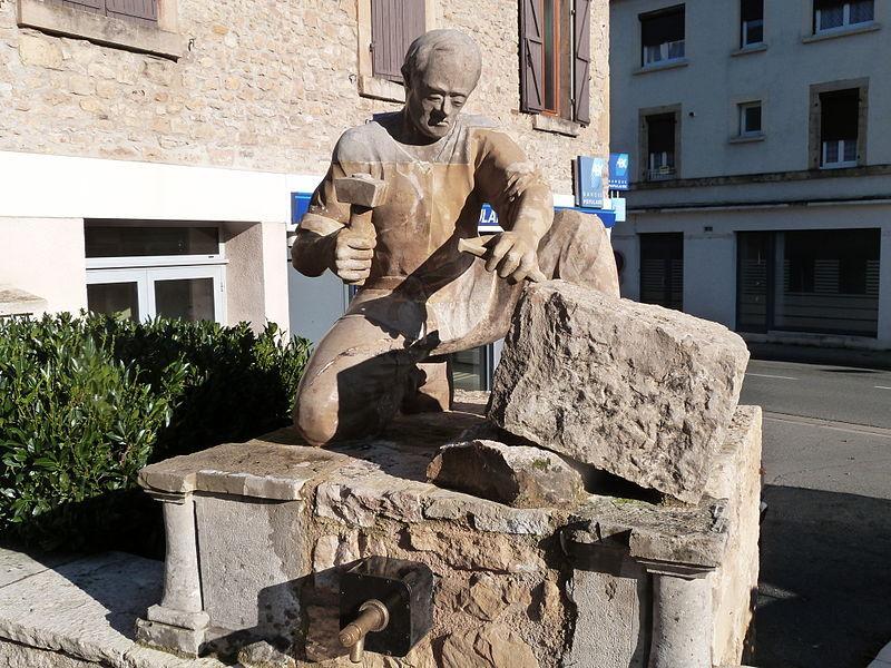 Sculpture du tailleur de pierre à Montbazens