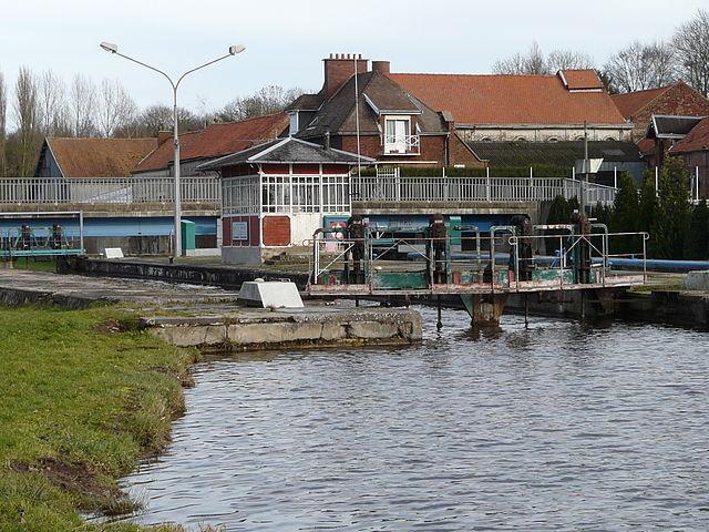 Canal de Saint-Quentin écluse de Marcoing