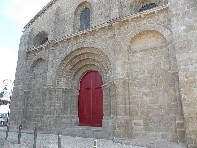 Église Saint-Jacques de Moutiers-les-Mauxfaits