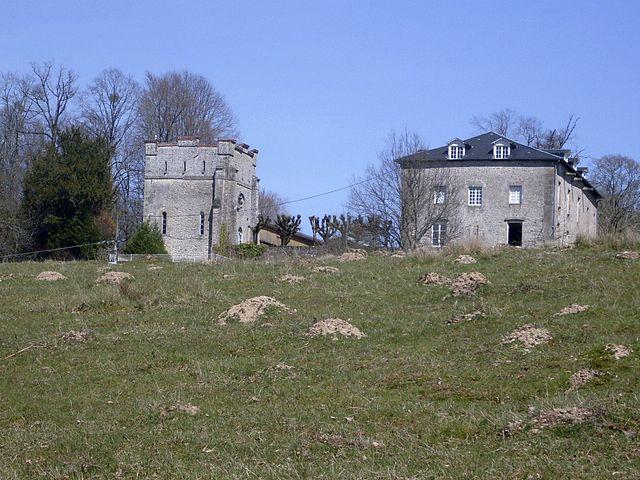 Nantiat-chateau-Lezes