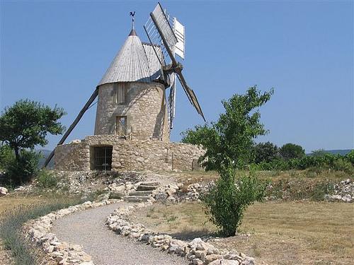 Moulin à vent de Villeneuve-Minervois