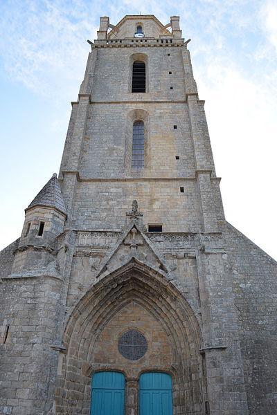 Tour de l'église Saint-Guénolé