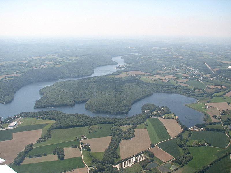 Caurel, lac de Guerlédan