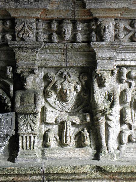 Porche sud de l'église Notre-Dame de Bodilis