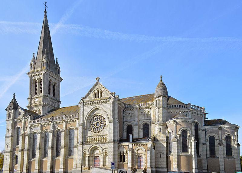 Chemillé - Église Notre-Dame-la-Neuve