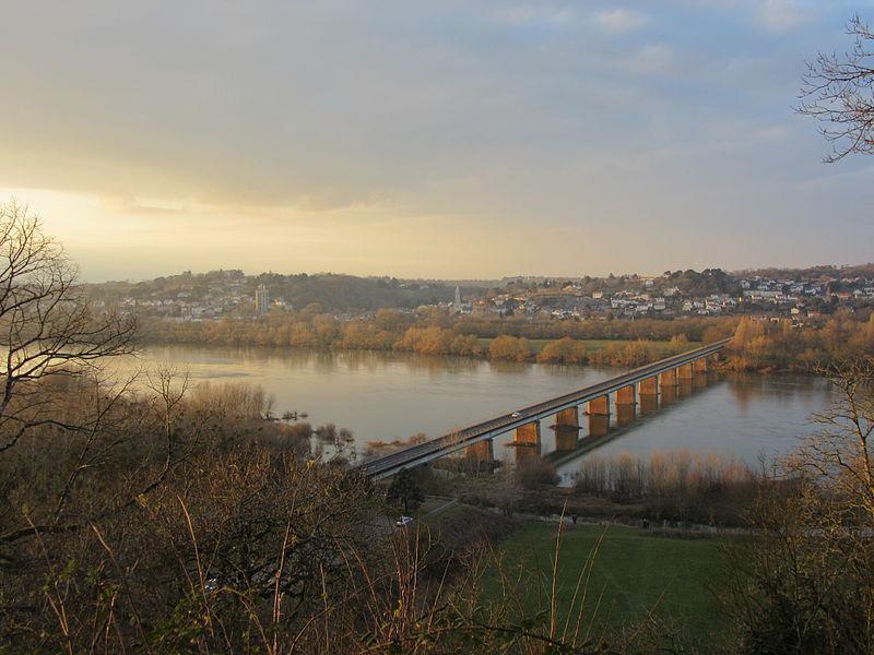 Pont de Champtoceaux vu de la citadelle de Champtoceaux