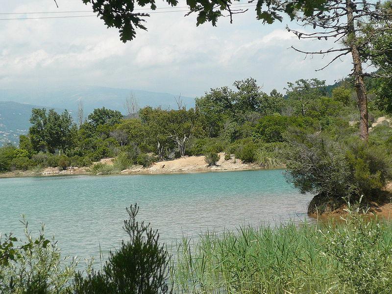 Vue sur le lac Saint-Cassien