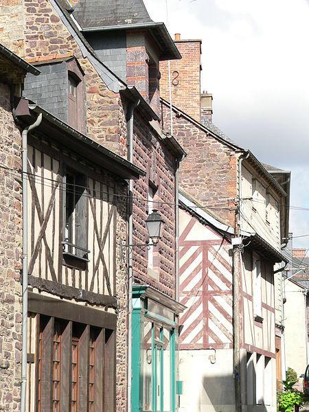 Maisons Anciennes du Centre Ville de Montfort-sur-Meu