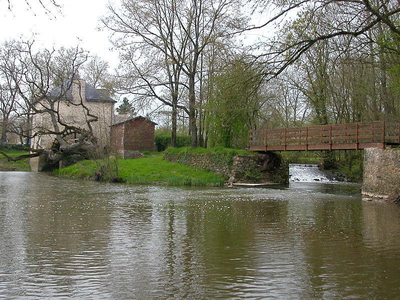 Moulin à eau et plan d'eau de Mouais