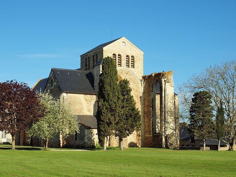 Ancienne abbaye de La Roë