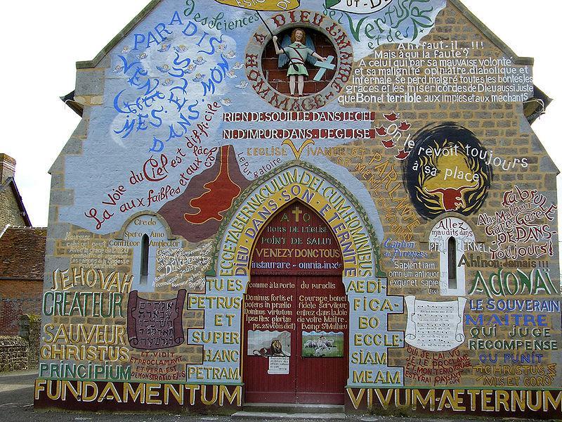Façade de l'église de Menil Gondouin