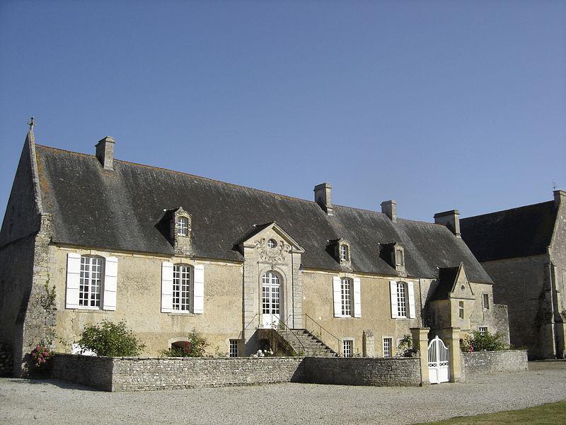 Longues-sur-Mer, Logis abbatial de l'Abbaye Sainte-Marie
