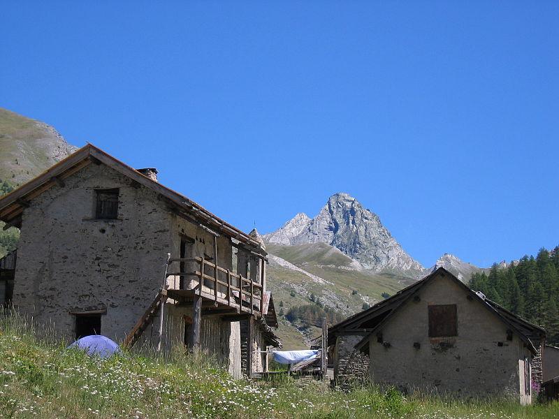 Chalets d'alpages à Valpréveyre, Abriès, Queyras