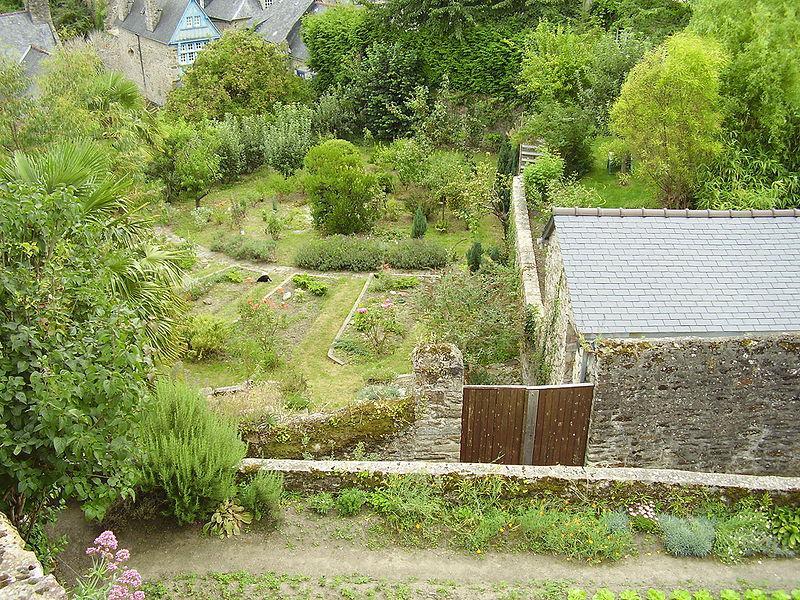 Jardins de ville dinan 22100 c tes d 39 armor 22 for Circuit jardins anglais