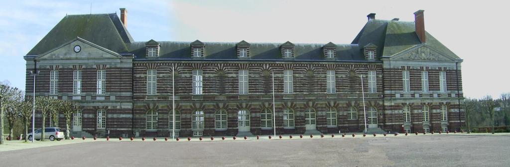 Chateau et mairie de Torigni sur Vire