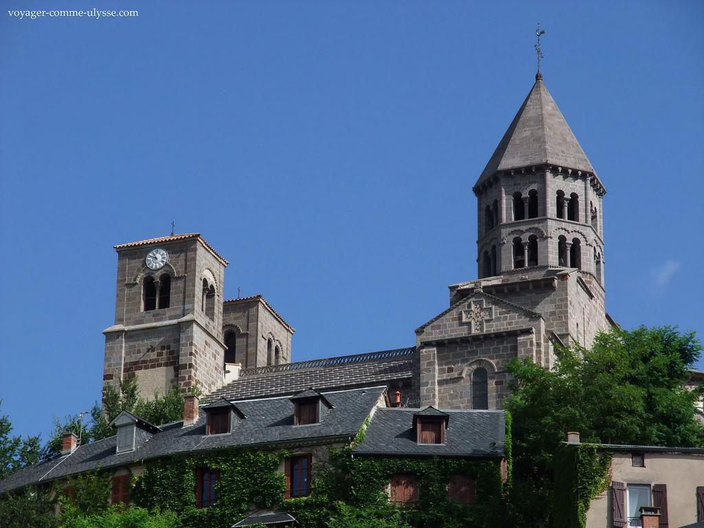 Eglise_Saint-Nectaire (1)