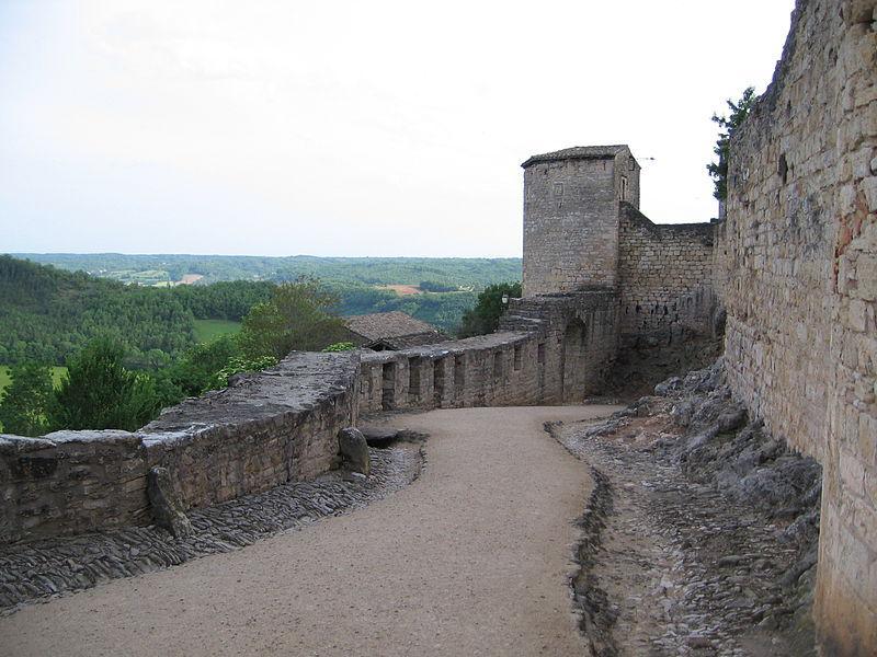 Les remparts de Puycelci