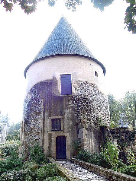 Tour Camoufle Metz