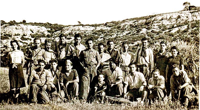 Lagnes Groupe franc de Jean Garcin au maquis du Chat en 1944