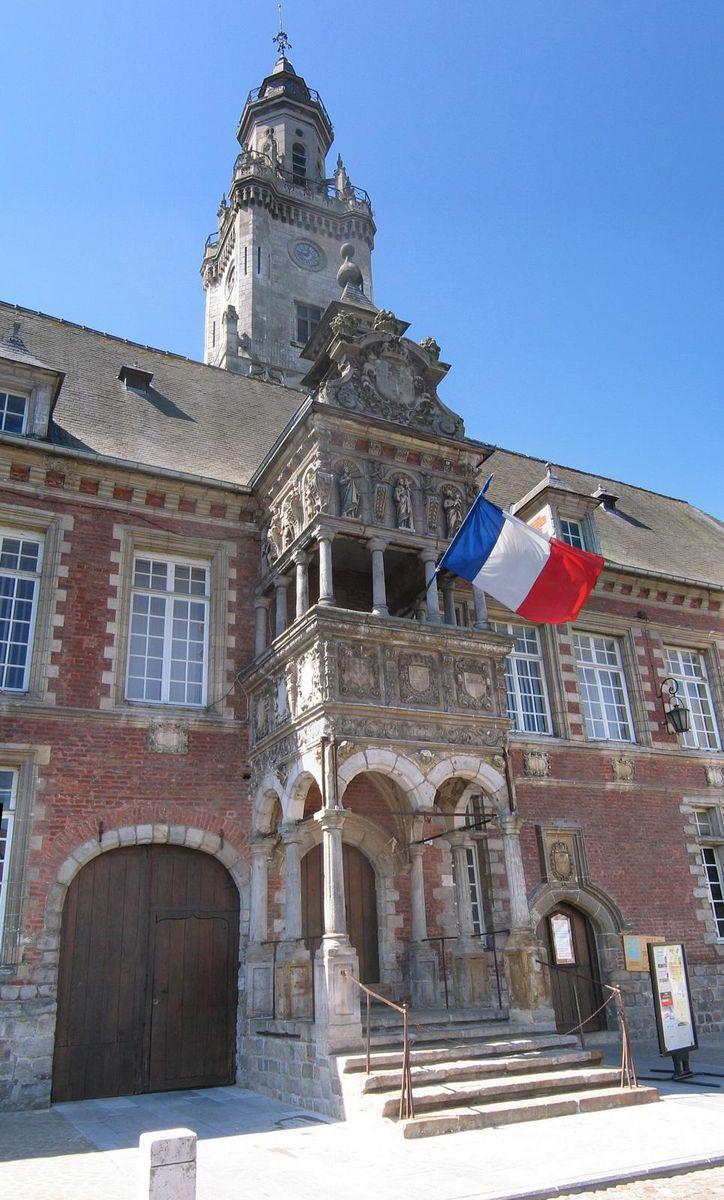 Hôtel de ville_Hesdin (1)
