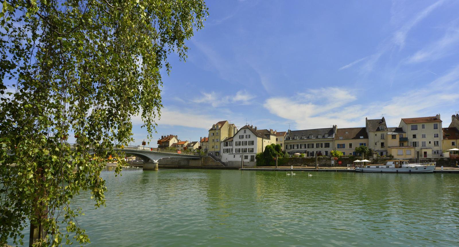 Lagny-sur- Marne, sur les quais