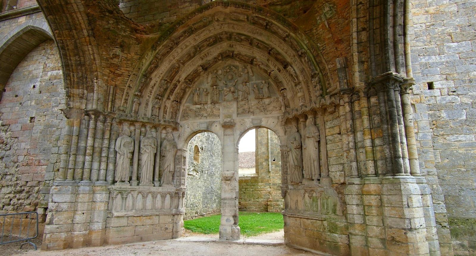 Basilique de Larchant