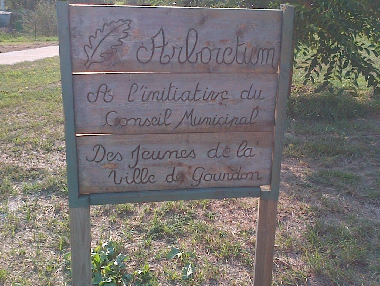 Gourdon-Arboretum 00030