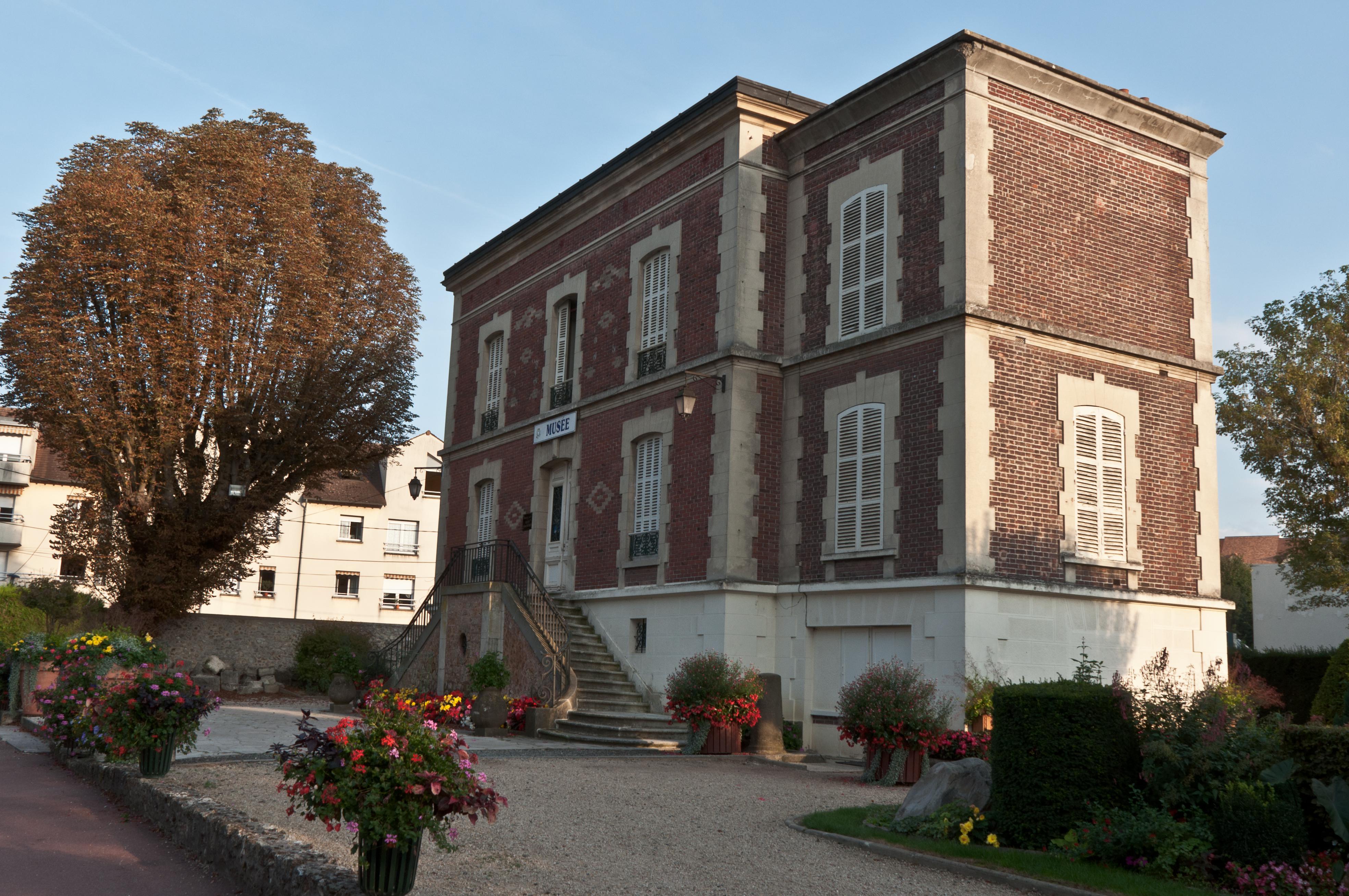 Devanture du Musée Gatien-Bonnet à Lagny-sur-Marne