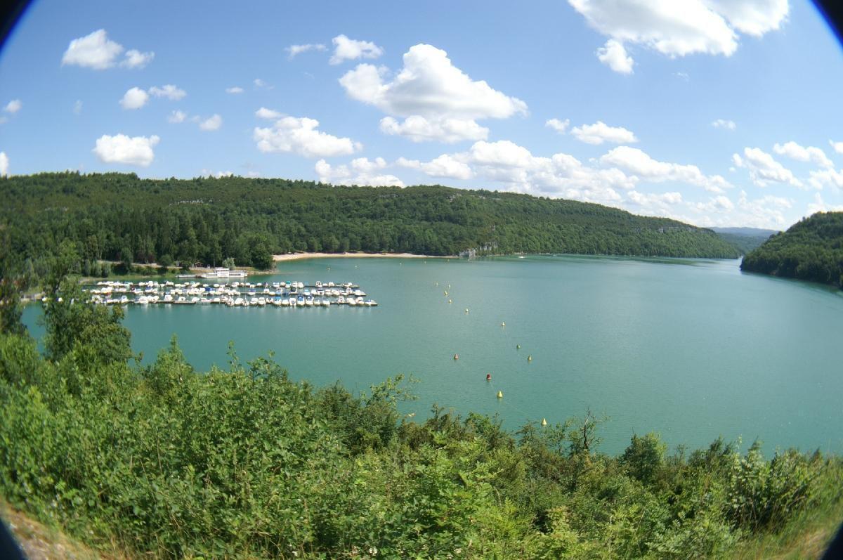 Lac et barrage de Vouglans_Granges-sur-Baume